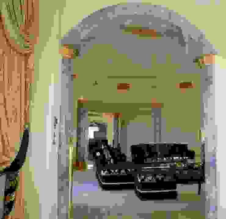Säulen und Bogen in Azul Cielo bemalt Illusionen mit Farbe Flur, Diele & TreppenhausAccessoires und Dekoration