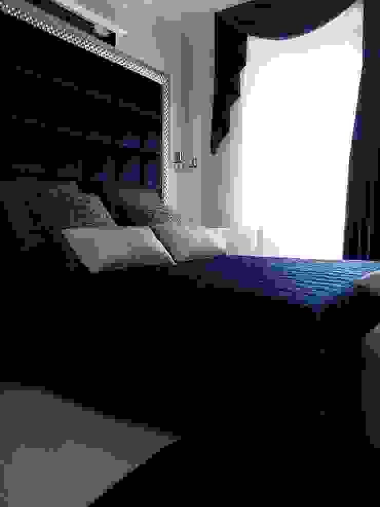 Shiny House Camera da letto di ADLsolutions