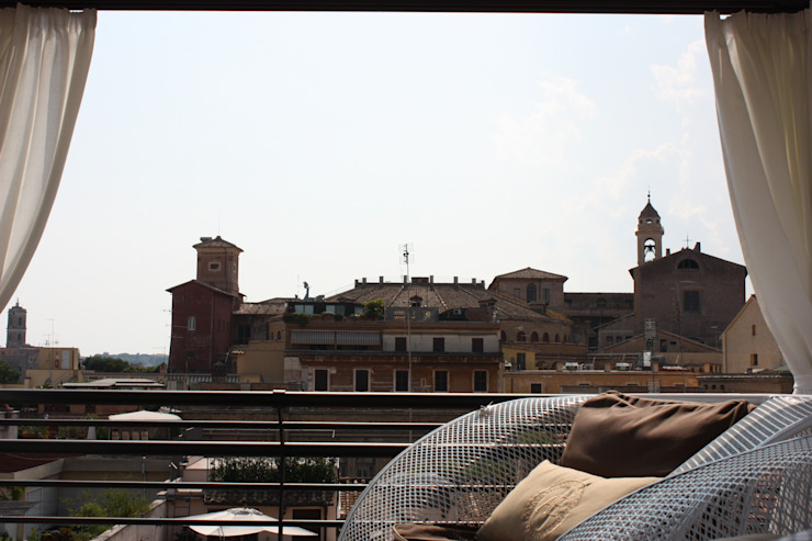 Shiny House Balcone, Veranda & Terrazza di ADLsolutions