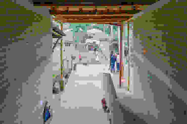 Montessori_Imagen 4 Escuelas de estilo rústico de Komoni Arquitectos Rústico
