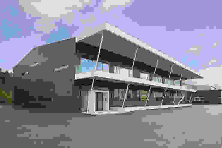 Verwaltung M Moderne Bürogebäude von Gellink + Schwämmlein Architekten Modern
