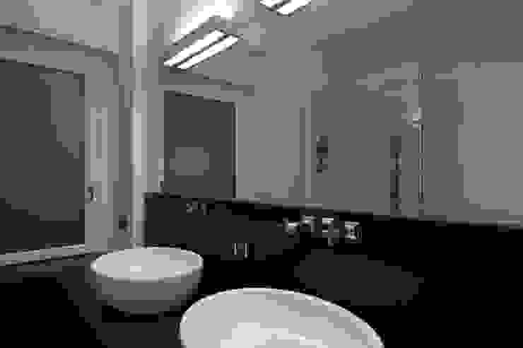 Trastevere Apartment Bagno eclettico di Carola Vannini Architecture Eclettico