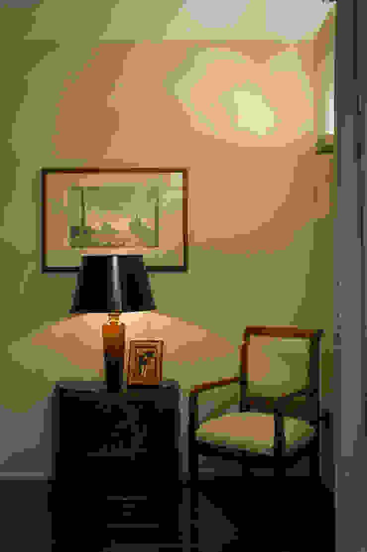 Trastevere Apartment Ingresso, Corridoio & Scale in stile eclettico di Carola Vannini Architecture Eclettico