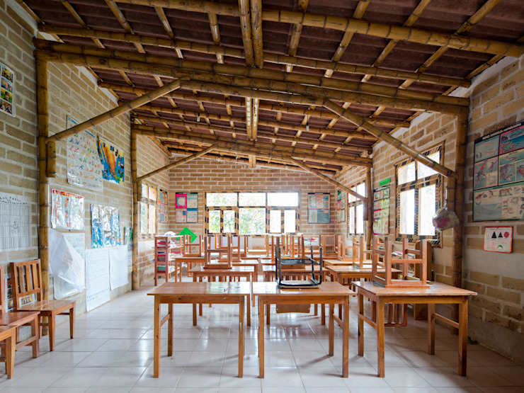 Montessori_Imagen 5 Escuelas de estilo rústico de Komoni Arquitectos Rústico