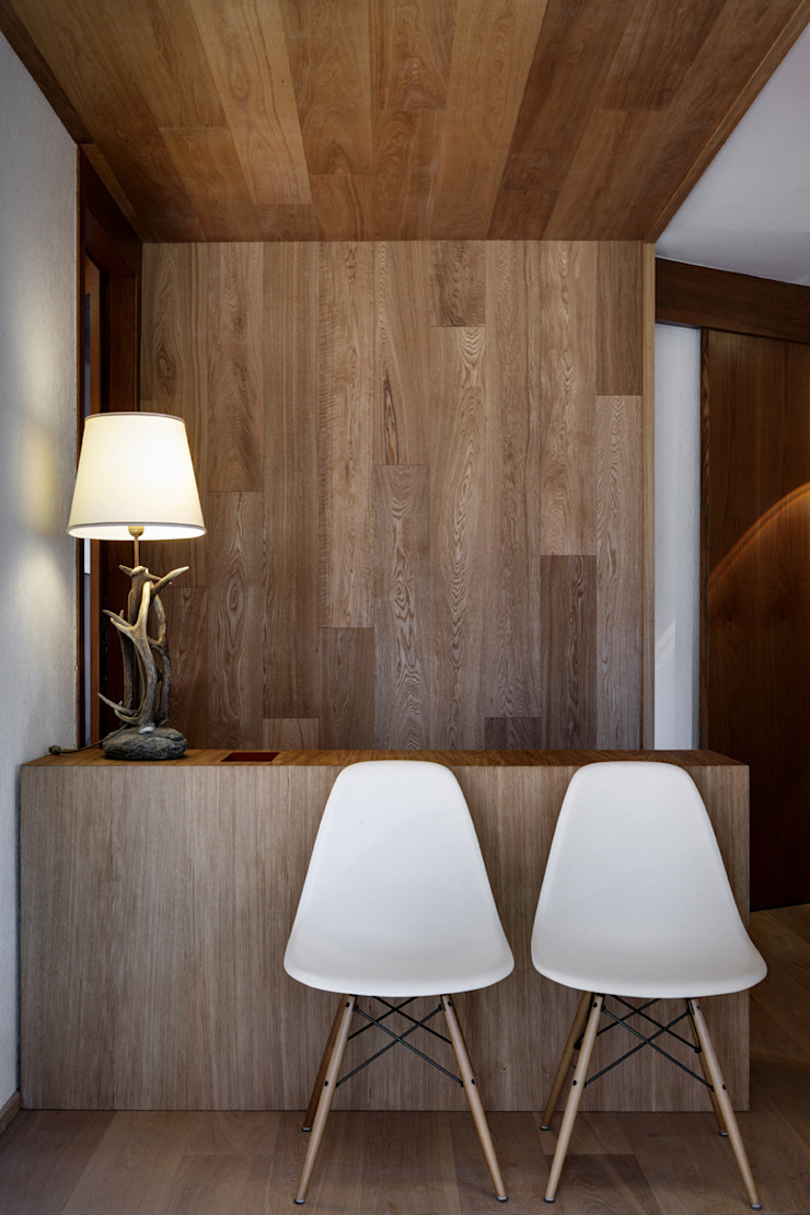Livings modernos: Ideas, imágenes y decoración de es-arch Moderno