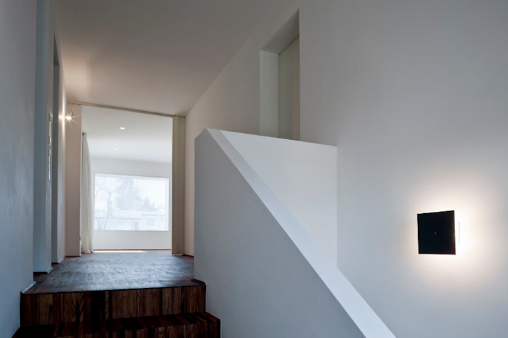 Casa DD Ingresso, Corridoio & Scale di C&P Architetti - Luca Cuzzolin + Elena Pedrina