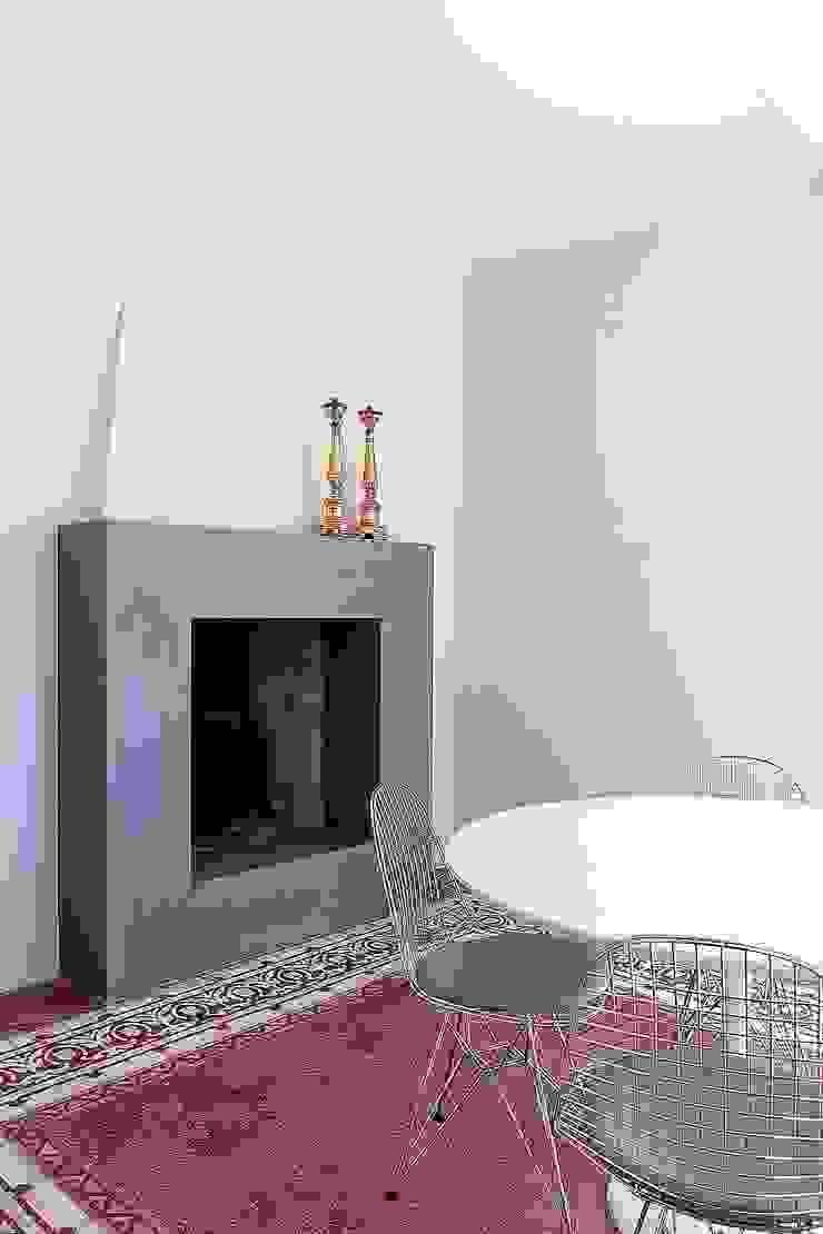 Modern dining room by Massimo Fiorido Associati Modern