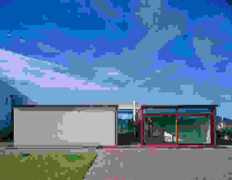 Mikaela House Moderne Häuser von swans007 Modern