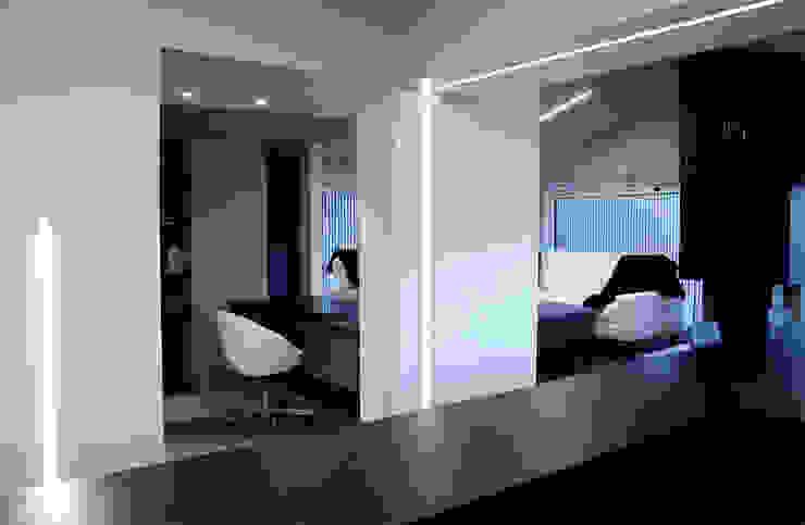 Casa DAMI Soggiorno moderno di Enrico Muscioni Architect Moderno