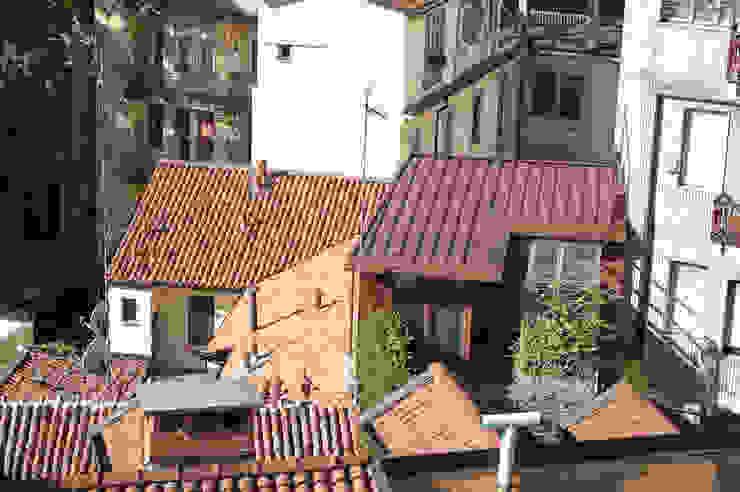 Camera sul tetto Moderne Häuser von Calzoni architetti Modern