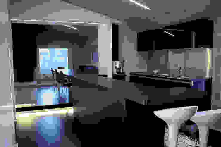 Cocinas de estilo moderno de Enrico Muscioni Architect Moderno