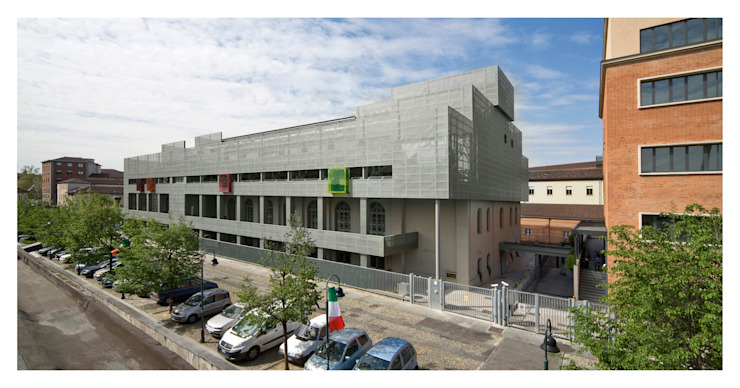 EX SELLERIE intervention Industrial style office buildings by Comoglio Architetti Industrial