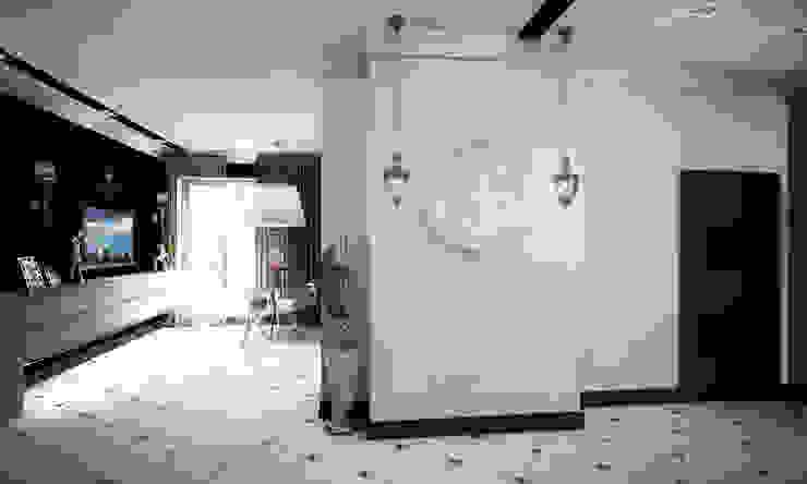 Проект интерьера трехкомнатной квартиры Коридор, прихожая и лестница в модерн стиле от Гурьянова Наталья Модерн