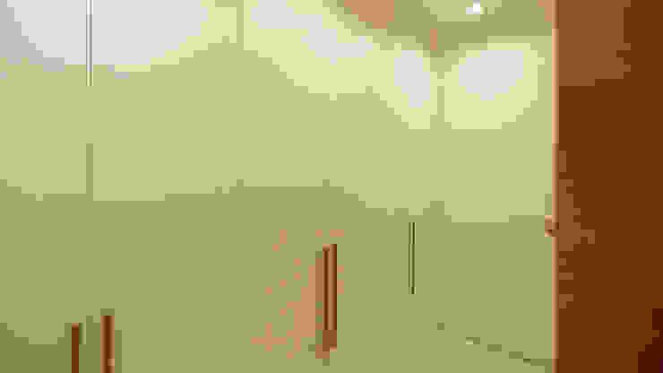 Pasillos, vestíbulos y escaleras minimalistas de Shar Project Minimalista
