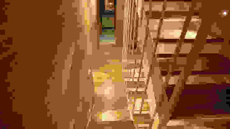 Townhouse <q>Bristol</q> Коридор, прихожая и лестница в стиле минимализм от Shar Project Минимализм
