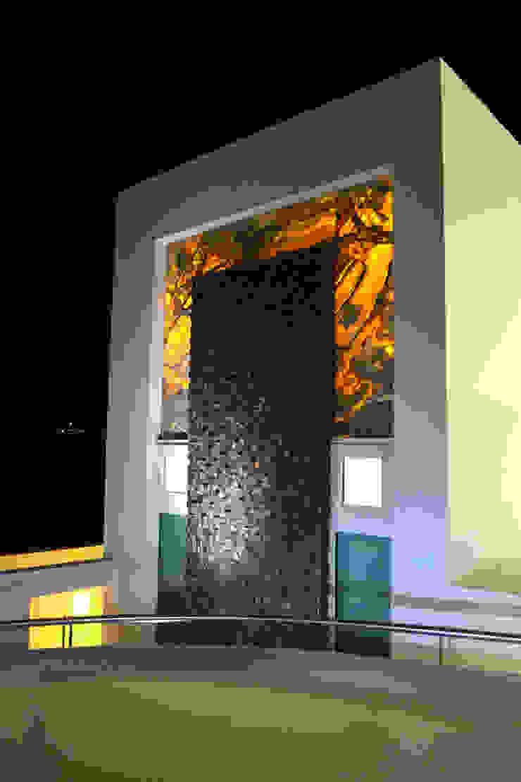 EXTERIOR BAÑO RECAMARA PRINCIPAL Casas modernas de ro arquitectos Moderno