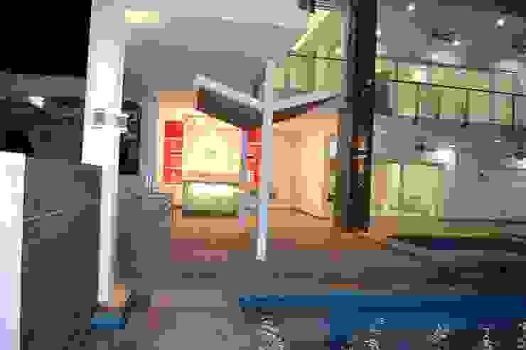 AREA DE BBQ Y BAR EXTERIOR Casas modernas de ro arquitectos Moderno