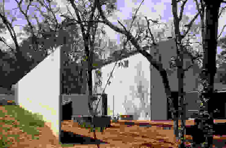 VILLA DE GRACIA Casas modernas de JUAN IGNACIO CASTIELLO ARQUITECTOS Moderno