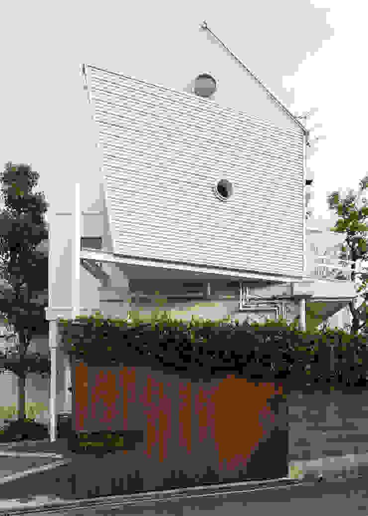 ファサード モダンな 家 の Kikumi Kusumoto/Ks ARCHITECTS モダン