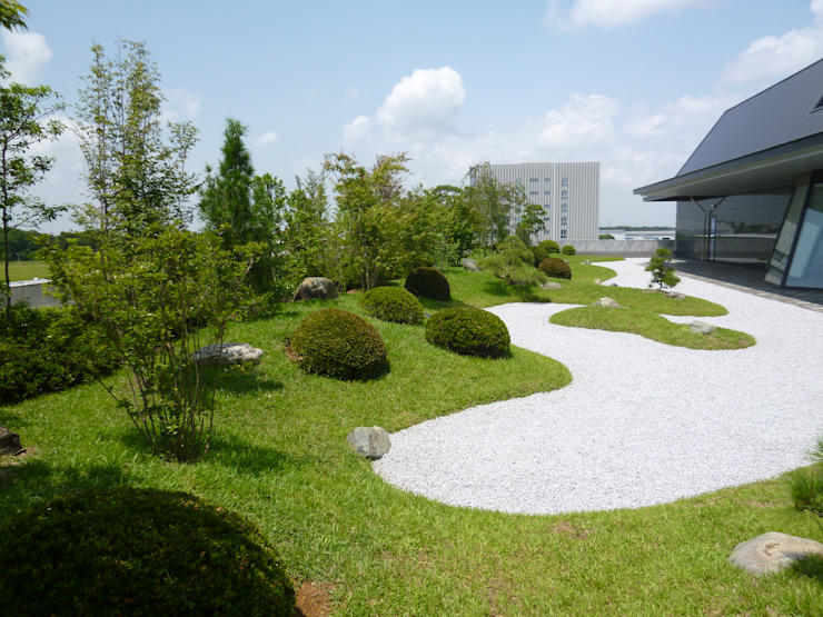 Jardines de estilo ecléctico de 株式会社 髙橋造園土木 Takahashi Landscape Construction.Co.,Ltd Ecléctico