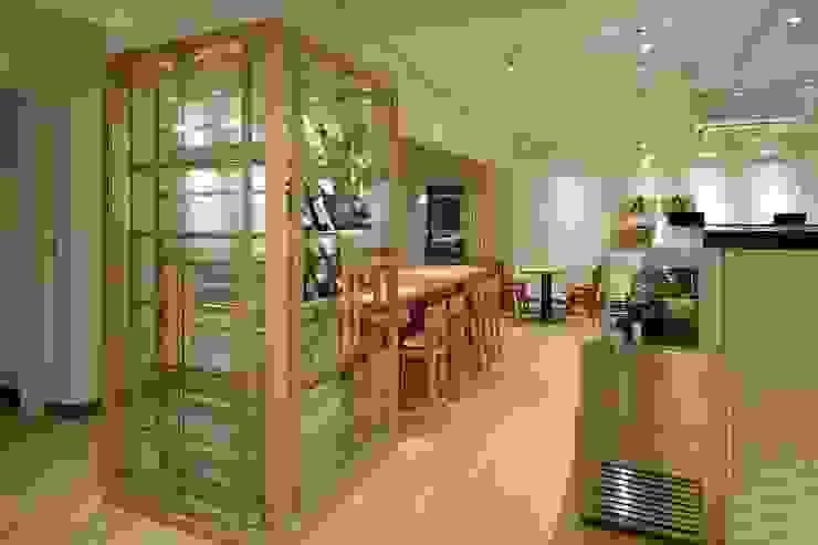 Bun Café - インテリア・ディスプレー ラスティックなレストラン の MoMo. Co., Ltd. ラスティック