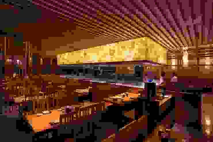 Sushi Tei Pekanbaru - インテリア・テーブル席 アジア風レストラン の MoMo. Co., Ltd. 和風