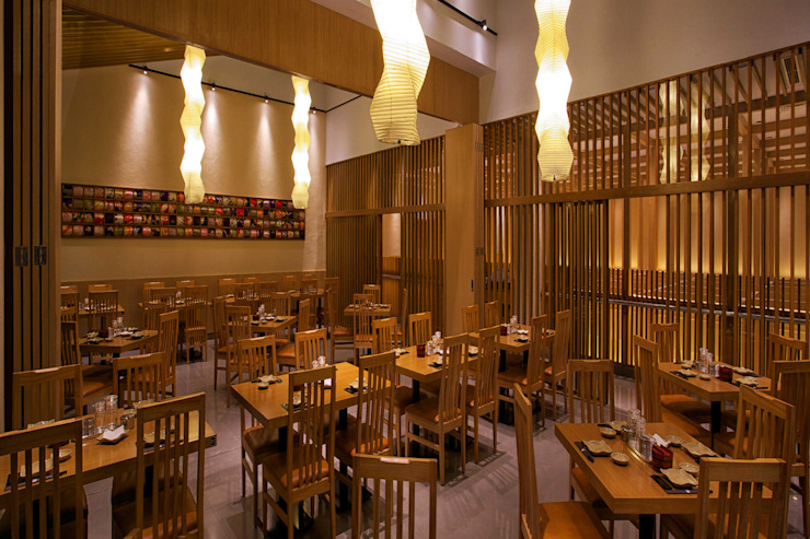 Sushi Tei Pekanbaru - インテリア・2F客席 アジア風レストラン の MoMo. Co., Ltd. 和風