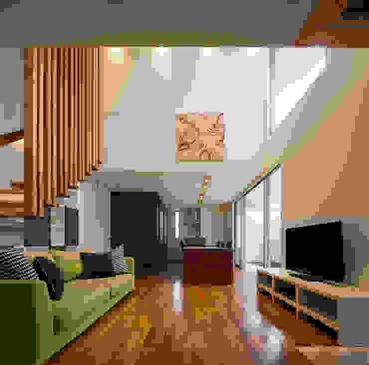 Гостиная в стиле модерн от Architect Show Co.,Ltd Модерн