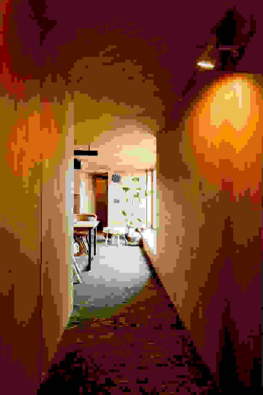 ROOF/M カントリーな 壁&床 の eu建築設計 カントリー