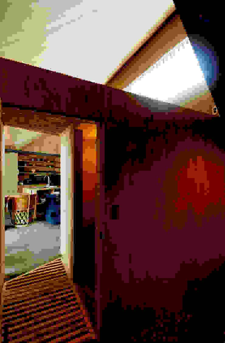 ROOF/M カントリースタイルの 玄関&廊下&階段 の eu建築設計 カントリー
