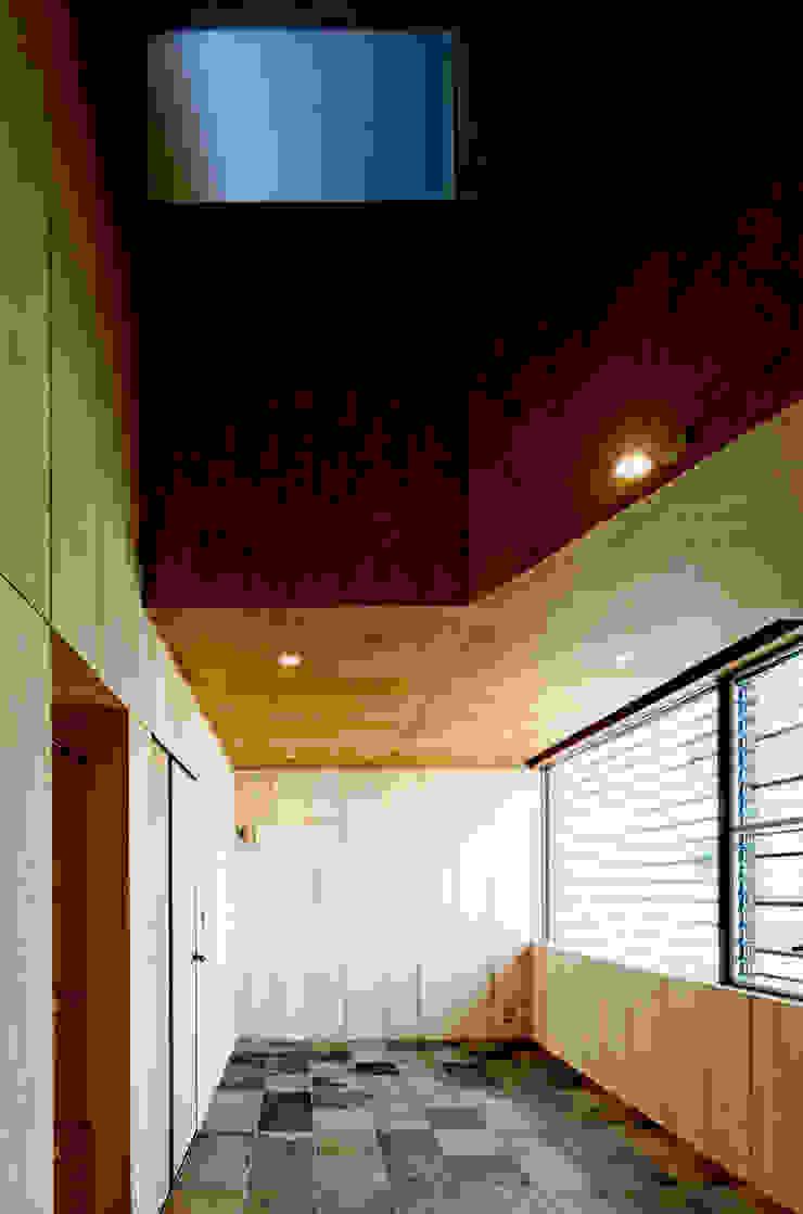 Salas de entretenimiento de estilo rural de eu建築設計 Rural