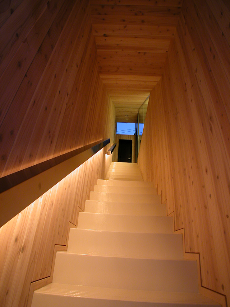 峰山の家 モダンスタイルの 玄関&廊下&階段 の 株式会社ハマノ・デザイン モダン