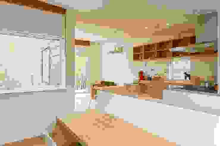 T邸 モダンな キッチン の SOYsource建築設計事務所 / SOY source architects モダン