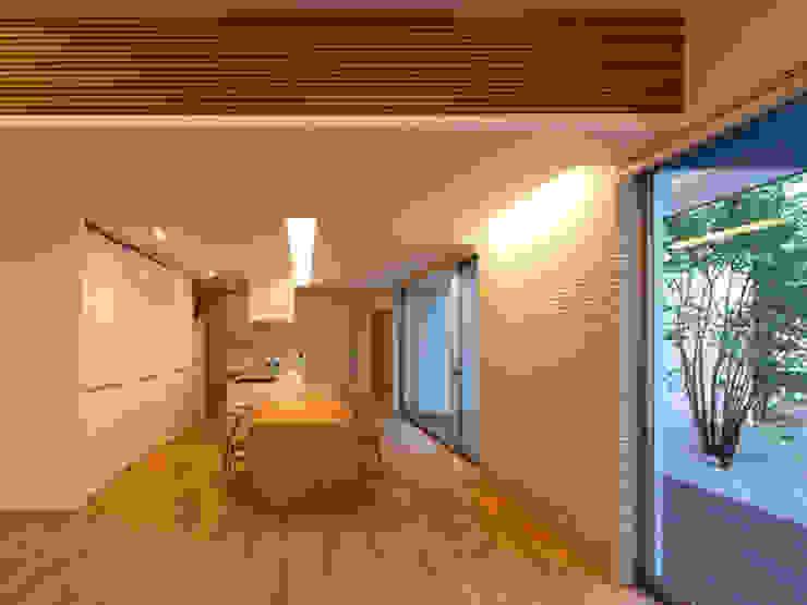 春日丘の家 モダンデザインの リビング の 小田裕二建築設計事務所 モダン