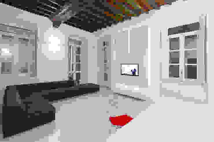U:BA house Living room design ideas by Comoglio Architetti