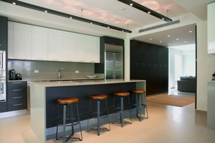 Ritz Carlton Dorado East, Puerto Rico Cuisine moderne par Lichelle Silvestry Interiors Moderne