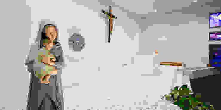 area presbiteriale Sedi per eventi in stile minimalista di Comoglio Architetti Minimalista