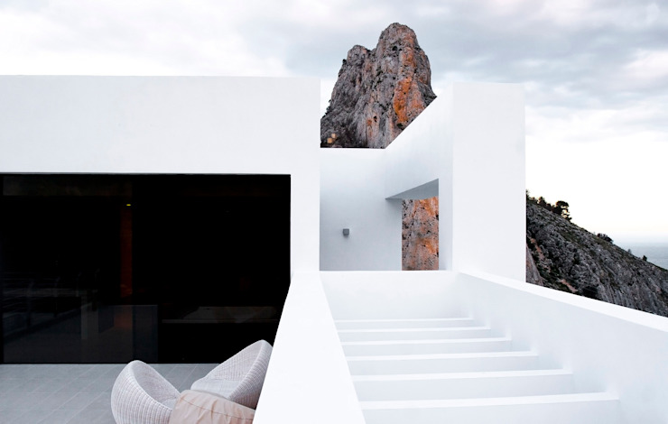 Casas estilo moderno: ideas, arquitectura e imágenes de Spainville Inmobiliaria Moderno