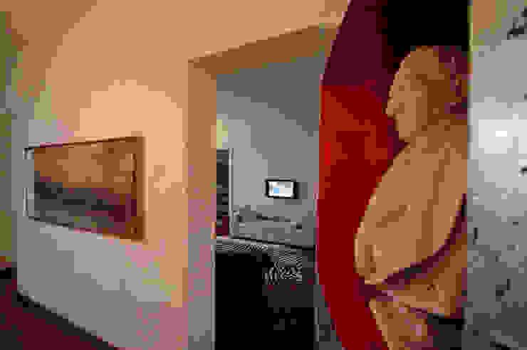 La casa dell'art director Soggiorno di GAP Studio