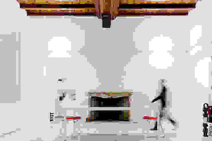 soggiorno Sala da pranzo di Comoglio Architetti