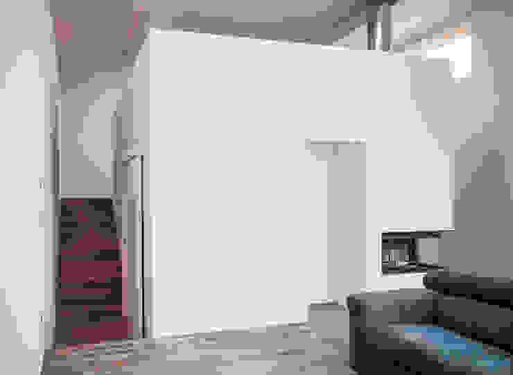 por LADO architetti Moderno