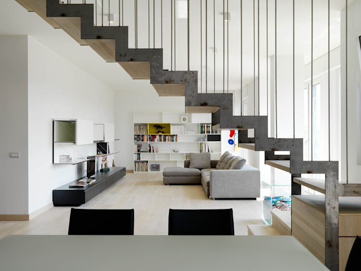 Modern living room by enzoferrara architetti Modern