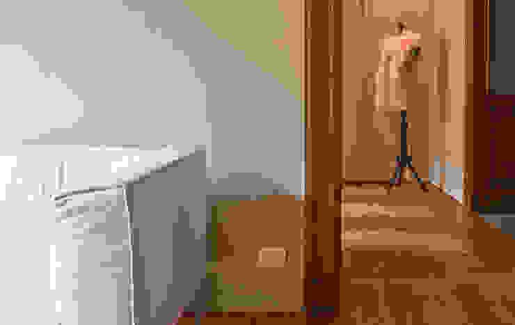 CHB house Corredores, halls e escadas clássicos por Comoglio Architetti Clássico