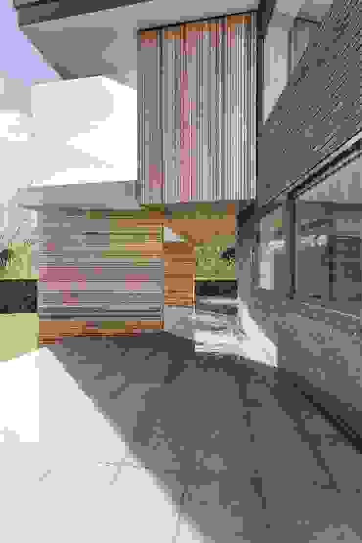 AR Design Studio- 4 Views Modern houses by AR Design Studio Modern
