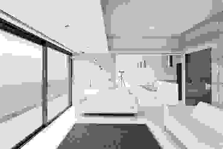 AR Design Studio- Lighthouse 65 Modern living room by AR Design Studio Modern