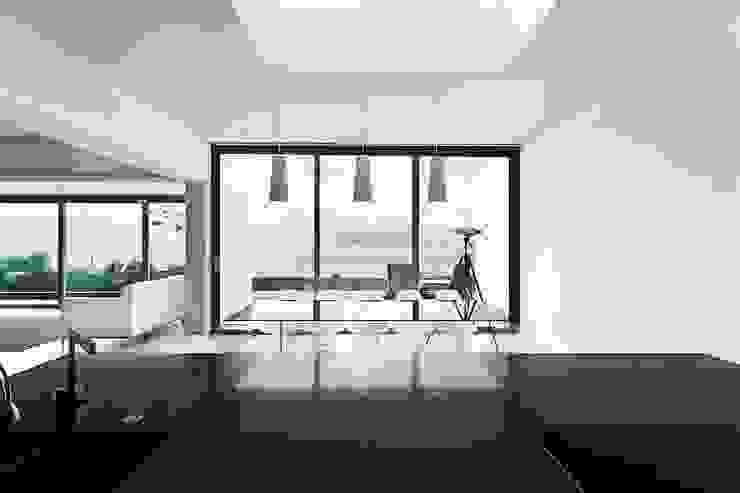 AR Design Studio- Lighthouse 65 Comedores modernos de AR Design Studio Moderno