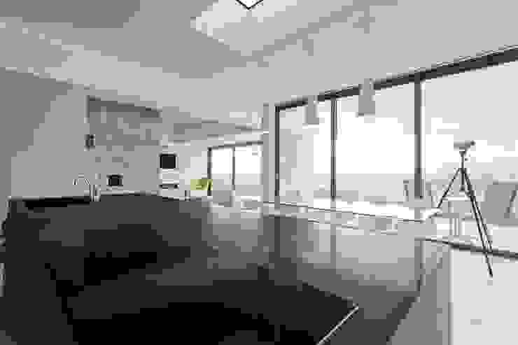 AR Design Studio- Lighthouse 65 Modern dining room by AR Design Studio Modern