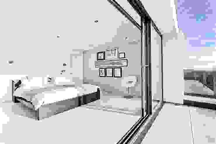 AR Design Studio- Lighthouse 65 Modern style bedroom by AR Design Studio Modern