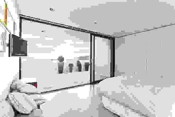 AR Design Studio- Lighthouse 65 Dormitorios modernos: Ideas, imágenes y decoración de AR Design Studio Moderno