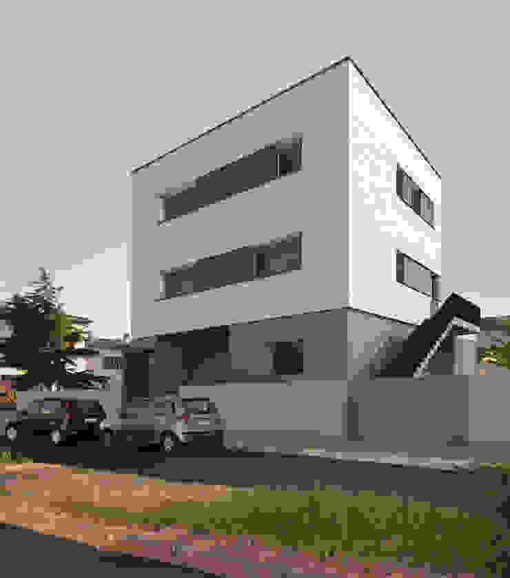 房子 根據 Conzinu Desteghene Architetti